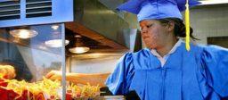 Diploma-inflatie en de precarisering van hoger opgeleiden