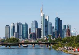 Duitsland (niet Griekenland) ontwricht eurozone, met strafbare handelsoverschotten